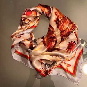 Accessories - Like NEW! Beautiful large silk scarf